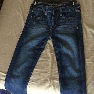 American Eagle Skinny Jeans (size 2R)